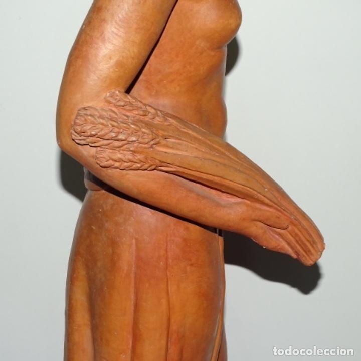 Arte: Gran escultura en terracota anónima.mujer con haz de espigas. - Foto 15 - 175461550