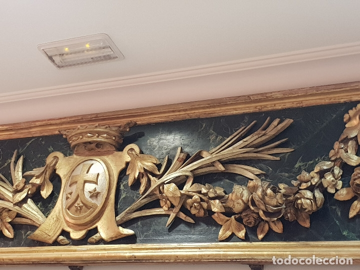 Arte: Frontal tallado, dorado y marmoreado con motivos vegetales y escudo central. S. XVIII. - Foto 5 - 175614032