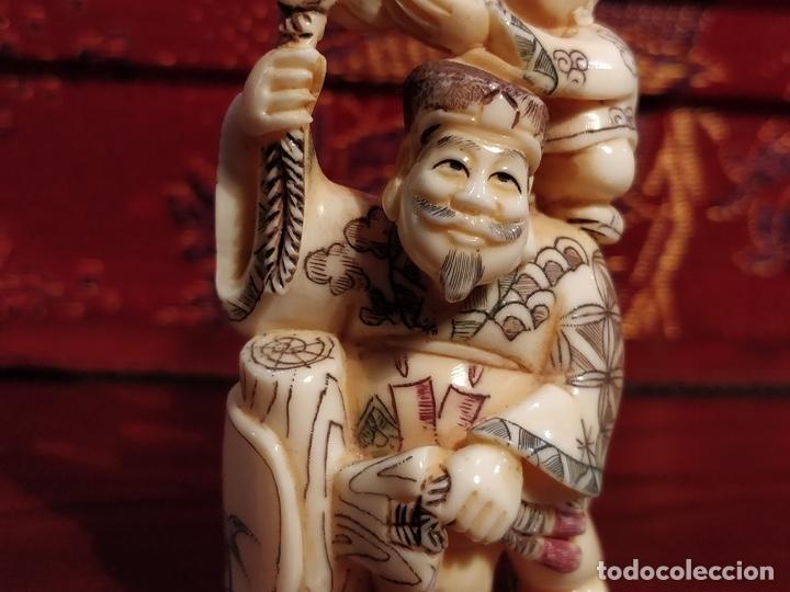 Arte: Antigua colección de 12 netsukes de marfil, con delicada talla y motivos. Firmados. - Foto 17 - 53845044