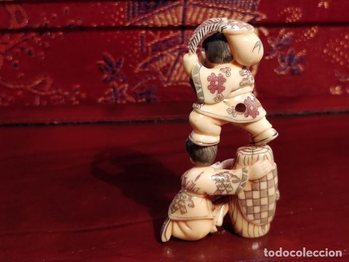 Arte: Antigua colección de 12 netsukes de marfil, con delicada talla y motivos. Firmados. - Foto 34 - 53845044