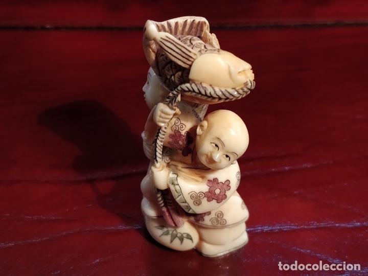 Arte: Antigua colección de 12 netsukes de marfil, con delicada talla y motivos. Firmados. - Foto 36 - 53845044