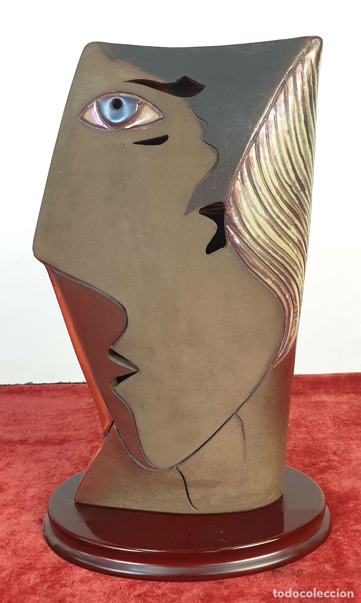 ROSTRO DE LADO. ESCULTURA EN CERÁMICA ESMALTADA. ODO CAMILLO TURRINI. SIGLO XX. (Arte - Escultura - Terracota )
