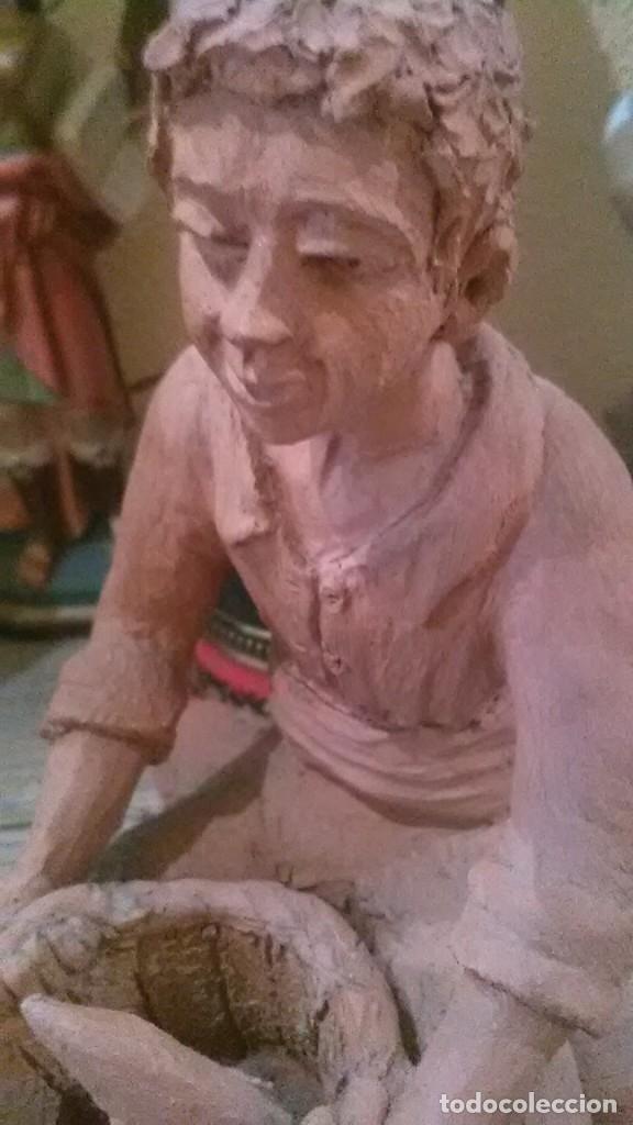 Arte: figura terracota, firmada Pujol - Foto 3 - 177630564