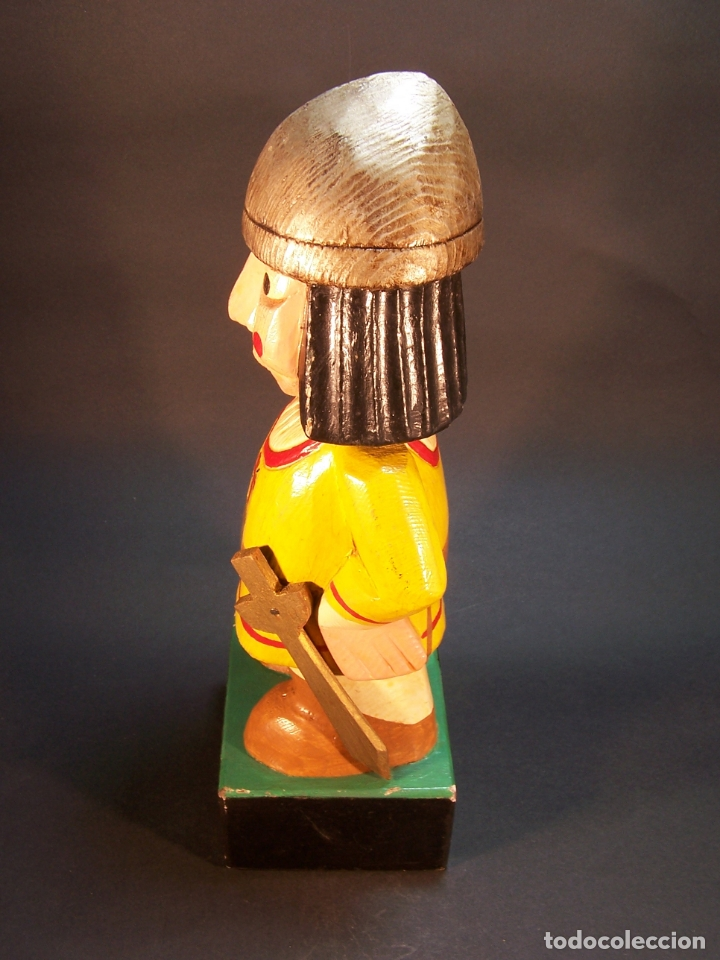 Arte: Divertida figura desoldado medieval con espada y casco. Tallada y pintada a mano. 28 cm. - Foto 4 - 177667777