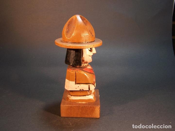 Arte: Bonita figura de guardabosques portamechero clipper. Hecho y pintado a mano. 15 cm. - Foto 4 - 177669454