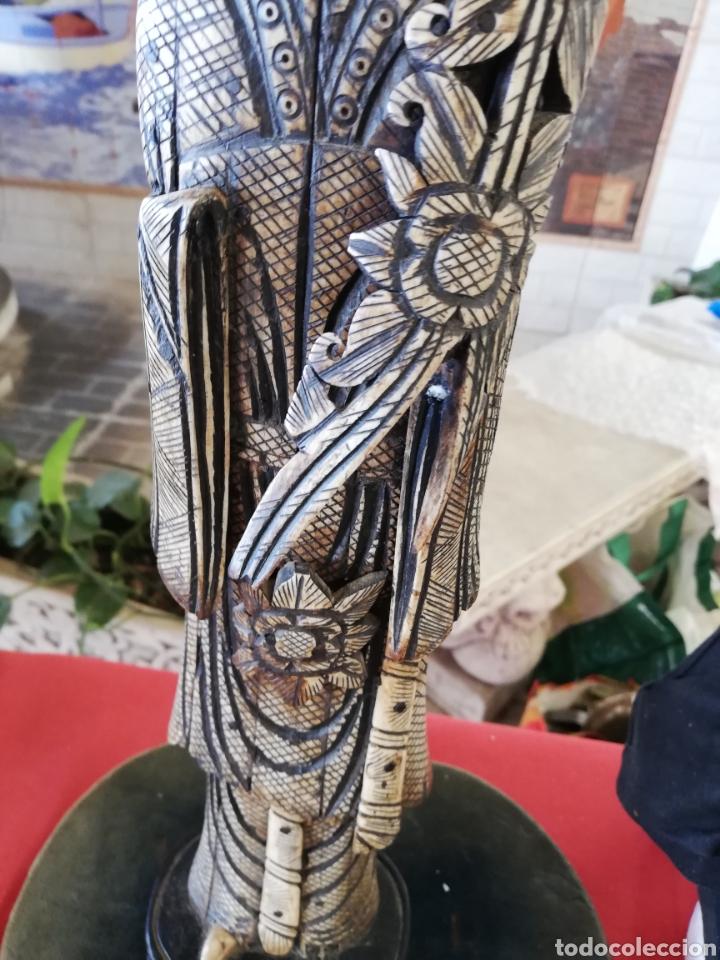 Arte: Antigua y Gran Figura.. Escultura en hueso unos 40 cm....con policromada.. - Foto 3 - 178920136
