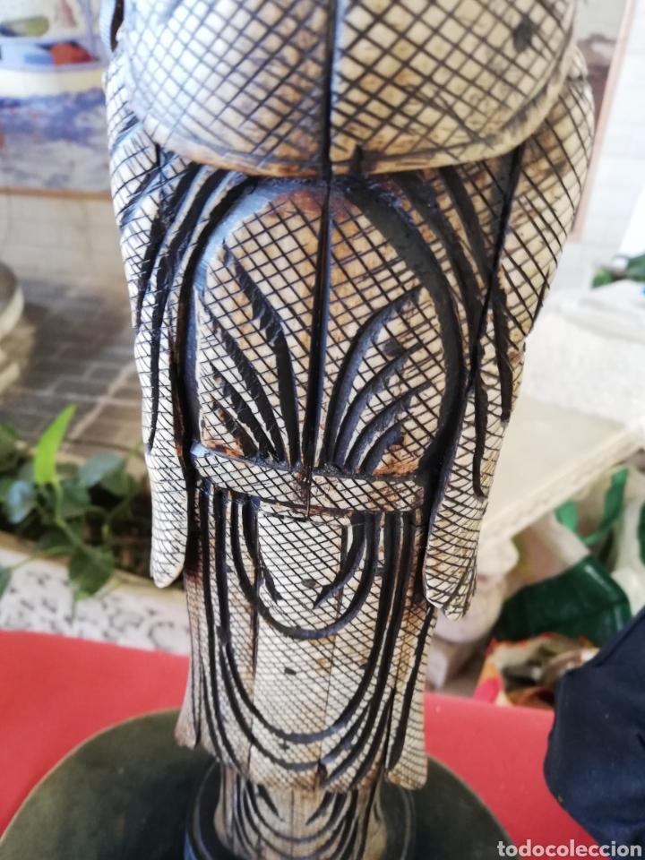 Arte: Antigua y Gran Figura.. Escultura en hueso unos 40 cm....con policromada.. - Foto 4 - 178920136