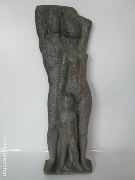ESCULTURA - FAMILIA - TERRACOTA - FIRMA JOSÉ MARTÍ-SABÉ ( SANTA COLOMA DE FARNERS , 1915 - 2006 ) (Arte - Escultura - Terracota )