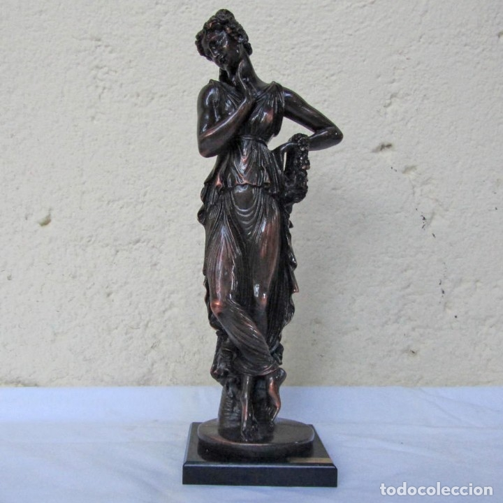 ESCULTURA BOHER ESTILIZADA FIGURA FEMENINA, RESINA PATINADA EN BRONCE (Arte - Escultura - Resina)