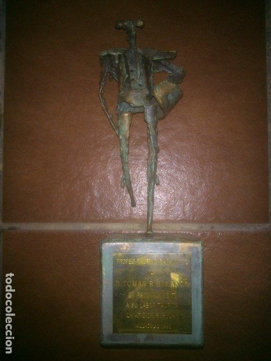 ESCASA FIGURA DE HIERO TORERO DE M.LOPEZ VALLADOLID 92 (Arte - Escultura - Hierro)