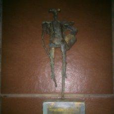 Arte: ESCASA FIGURA DE HIERO TORERO DE M.LOPEZ VALLADOLID 92. Lote 180150696