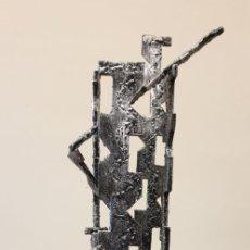 Arte: ESPECTACULAR ESCULTURA ABSTRACTA ANTIGUA EN HIERRO, 5 KG DE PESO, NUMERADA, AMADEO GABINO??. Lote 180173077