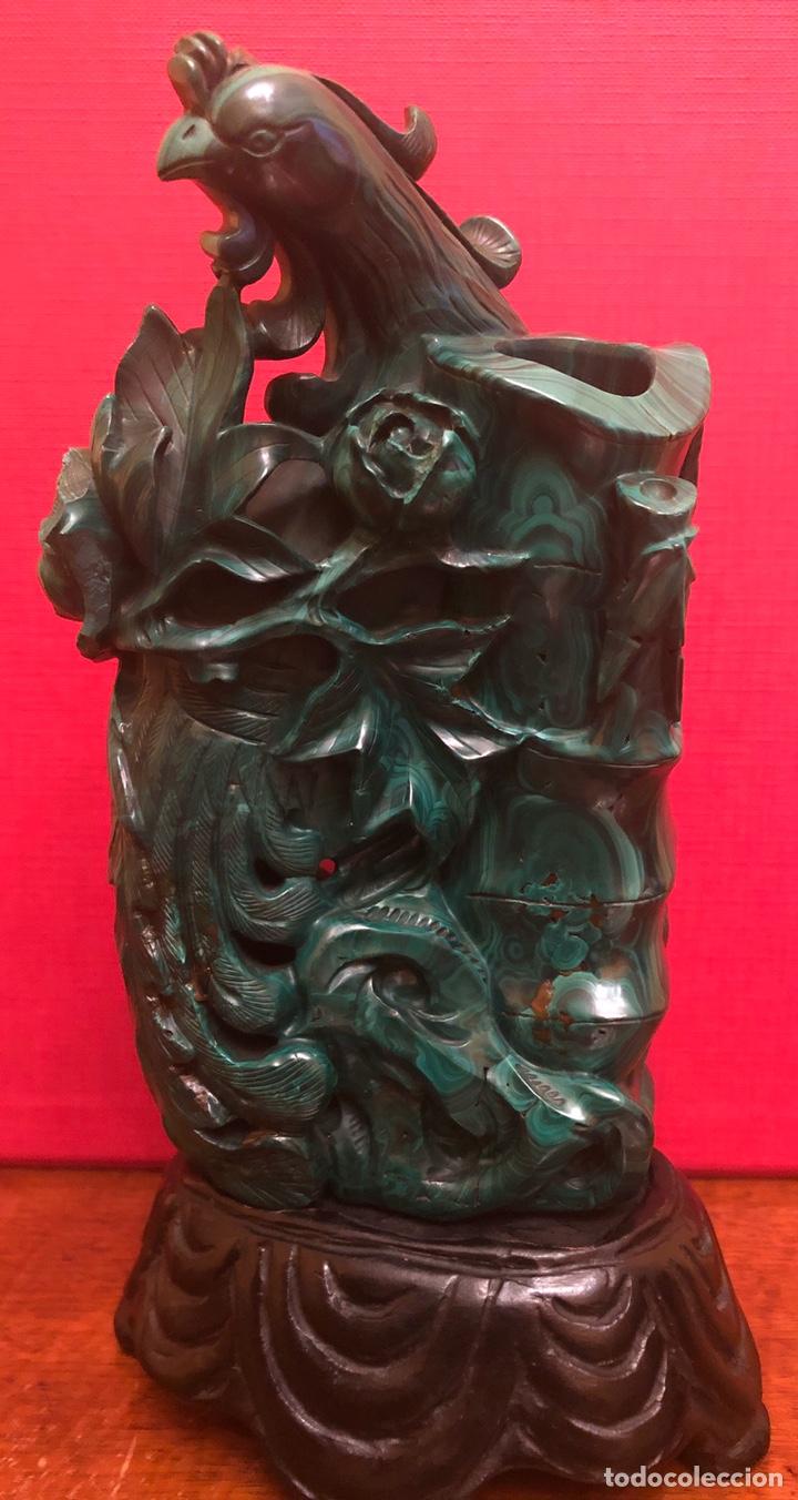 PRECIOSA FIGURA EN MALAQUITA TALLADA (Arte - Escultura - Piedra)