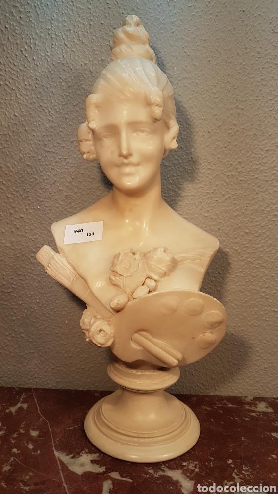 ESCULTURA DE ALEGORÍA DE LA PINTURA, EN ALABASTRO. ESCUELA ITALIANA H. 1900. ALTURA 40 CM. (Arte - Escultura - Alabastro)