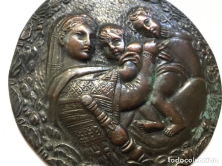 MEDALLÓN DE BRONCE MADONNA DE RAFAEL (Arte - Escultura - Bronce)