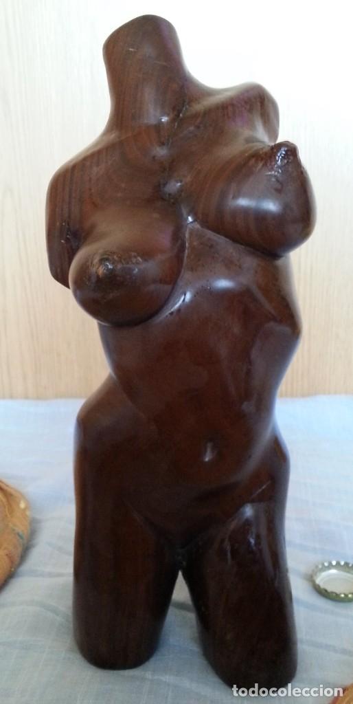 BUSTO DE MUJER EN MADERA TALLADA. ESCULTURA CUBANA (Arte - Escultura - Madera)