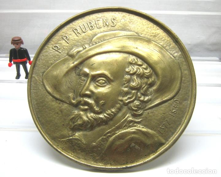 27.5 CM - GRAN TONDO EN BRONCE - P. P. RUBENS 1577-1640 (Arte - Escultura - Bronce)