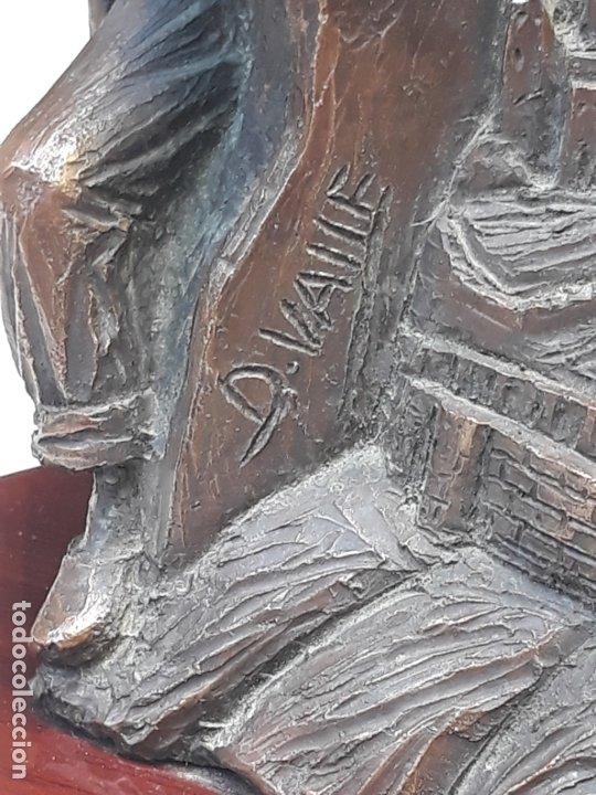 Arte: ESCULTURA EN RESINA - ALEGORIA A TOLEDO. FIRMADA. - Foto 8 - 182524943
