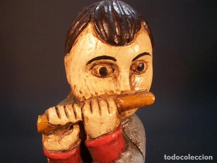 Arte: Bonita figura de angel tocando la flauta. Hecho y pintado a mano. Fabricado por Ouro. 16 cm. - Foto 5 - 182562198