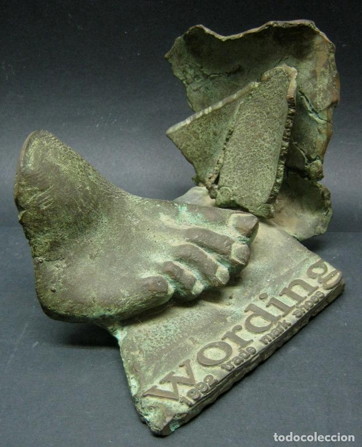 ESCULTURA BRONCE FIRMADA - PIE (Arte - Escultura - Bronce)