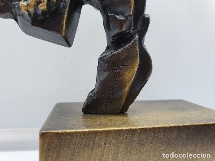 Arte: Original escultura abstracta en bronce macizo firmada por el artista . - Foto 5 - 182752552