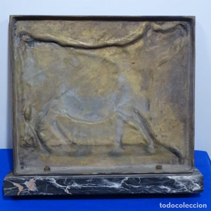 Arte: Escultura de bronce de Camil fabregas.homenaje a Manolo Hugué.1978. - Foto 9 - 183430121