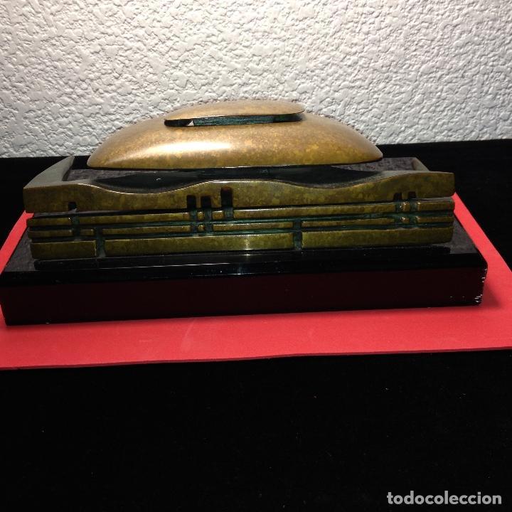 Arte: ESCULTURA DEL PALAU SAN JORDI DE BARCELONA EN BRONCE - DESMONTABLE - FIRMADA Y NÚMERADA 17 / 125 - Foto 5 - 183794132