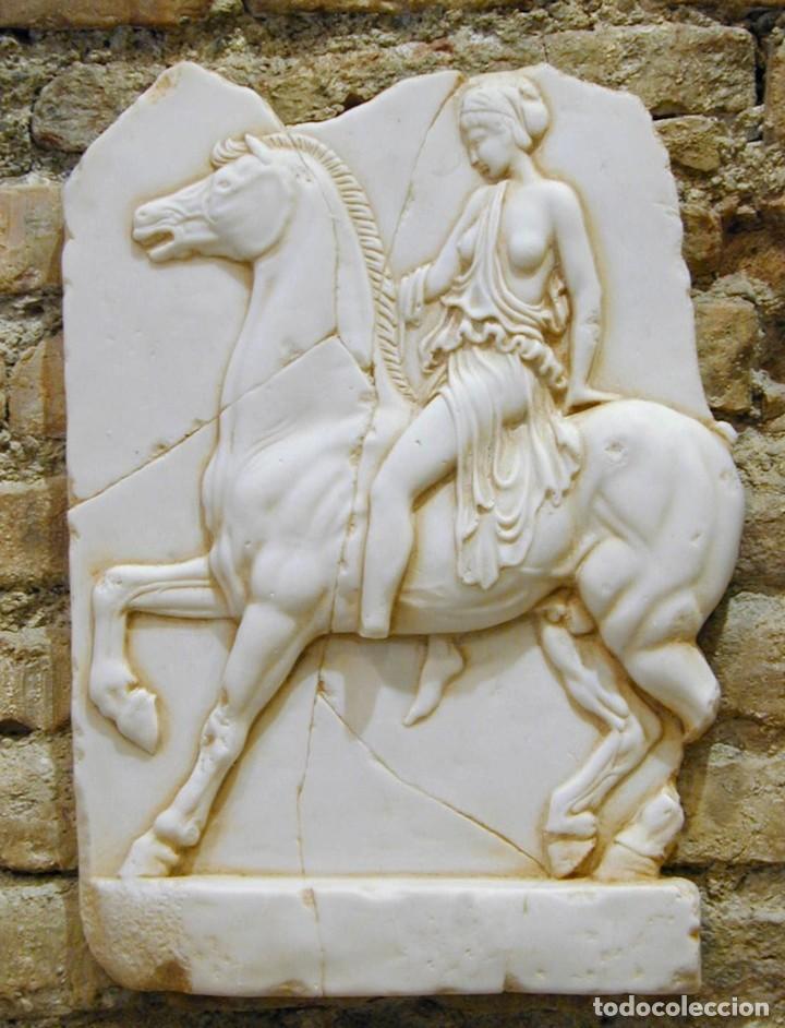 ESCULTURAS Y BAJORRELIEVES CLÁSICO MEDIANO GRECIA GRIEGO DE AMAZONA (37X28CM) (Arte - Escultura - Piedra)