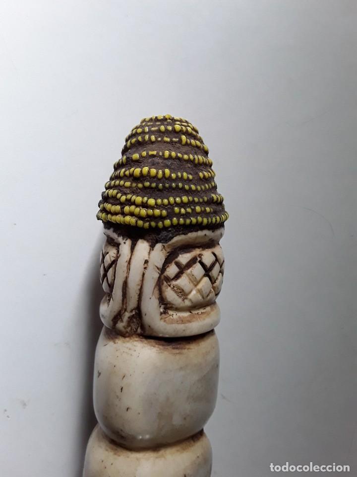 Arte: Consolador de hueso labrado. Arte africano - Foto 4 - 184524031