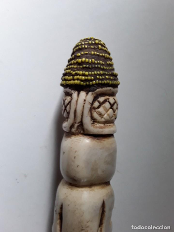 Arte: Consolador de hueso labrado. Arte africano - Foto 5 - 184524031