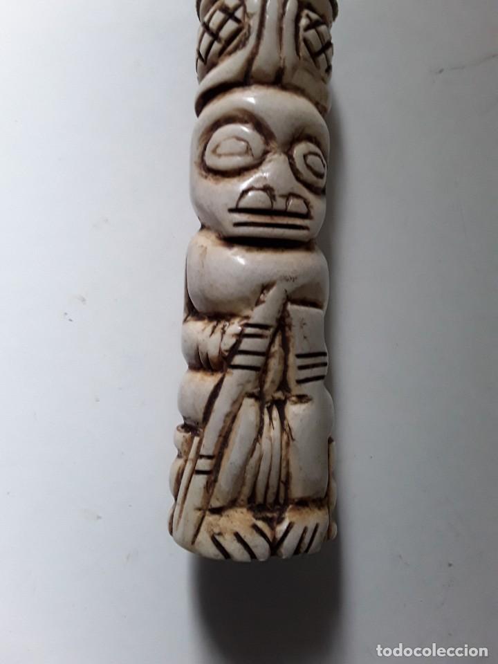 Arte: Consolador de hueso labrado. Arte africano - Foto 11 - 184524031