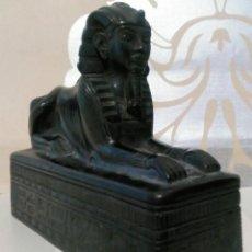 Arte: ESFINGE EGIPCIA DE MARMOLINA O RESINA SIMIL PIEDRA OBSIDIANA. Lote 186231752