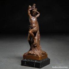"Arte: ESCULTURA EN BRONCE DEL ""SAN SEBASTIÁN "". APOYA SOBRE BASE DE MÁRMOL NEGRO CUADRANGULAR. S.XIX -29CM. Lote 186354138"