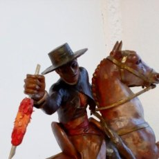 Arte: MAGISTRAL ESCULTURA DE MADERA, REJONEADOR ´V. BENODIM, 1951 VALENCIA´. Lote 187435501