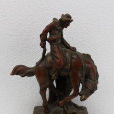 Arte: ESCULTURA EN TERRACOTA JINETE SOBRE CABALLO - FIRMADO DUBOIS - PRINCIPIOS SIGLO XX. Lote 188637857