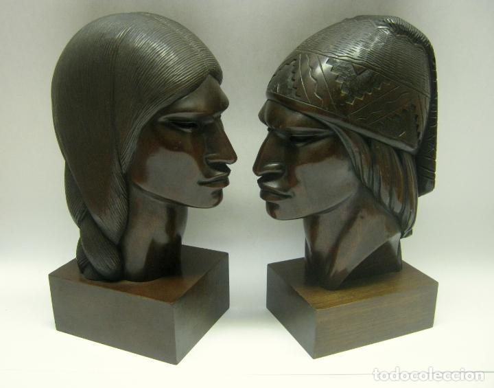 Arte: c.1930 pareja de esculturas Art Decó talla en madera de caoba. Cabezas nativos Bolivia. Firma Franco - Foto 3 - 188763358