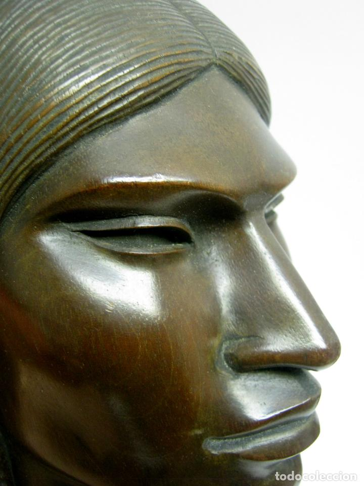 Arte: c.1930 pareja de esculturas Art Decó talla en madera de caoba. Cabezas nativos Bolivia. Firma Franco - Foto 6 - 188763358