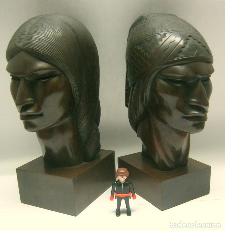 C.1930 PAREJA DE ESCULTURAS ART DECÓ TALLA EN MADERA DE CAOBA. CABEZAS NATIVOS BOLIVIA. FIRMA FRANCO (Arte - Escultura - Madera)