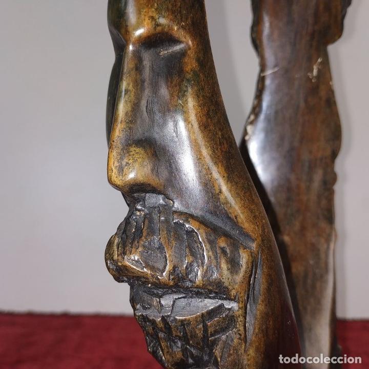 Arte: HOMBRE Y MUJER. ESCULTURA. PIEDRA TALLADA (MADERA FÓSIL?). ESPAÑA. SIGLO XX - Foto 10 - 190116955