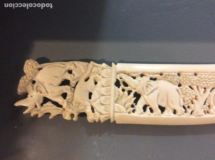 Arte: Bajo relieve de marfil en forma de puñal 23cmx4cm. - Foto 2 - 190167202