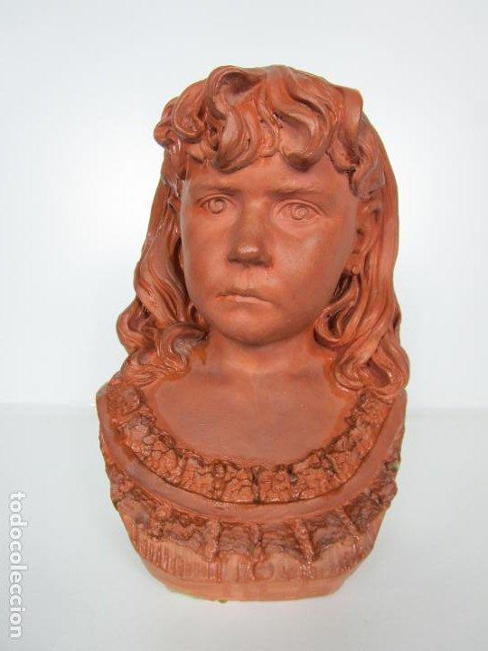 Arte: Preciosa Escultura - Busto de Niña - Gustavo Obiols de Delgado (1858-fl. 1902) - Data 1878 - Foto 2 - 190798723