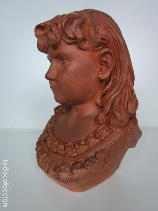Arte: Preciosa Escultura - Busto de Niña - Gustavo Obiols de Delgado (1858-fl. 1902) - Data 1878 - Foto 9 - 190798723