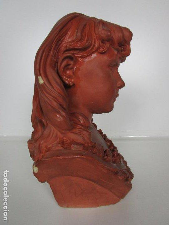 Arte: Preciosa Escultura - Busto de Niña - Gustavo Obiols de Delgado (1858-fl. 1902) - Data 1878 - Foto 17 - 190798723