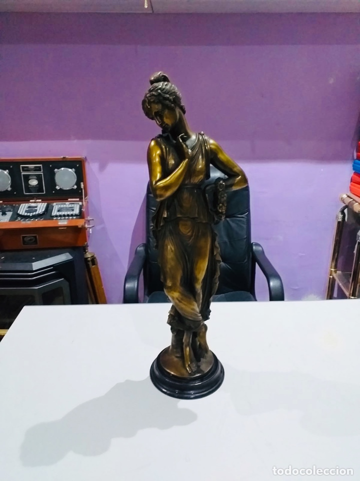 ANTIGUA ESCULTURA RESINA GRANDES DIMENSIONES-67 CM-VER LAS FOTOS (Arte - Escultura - Resina)
