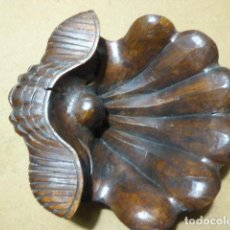 Arte: ANTIGUA TALLA DE CONCHA EN MADERA. 31 CM LONG - 28 CM ANCH - 10 CM ALT. MUY BONITA.. Lote 190989183