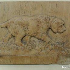 Arte: TABLA TALLADA , PERRO. Lote 192181566