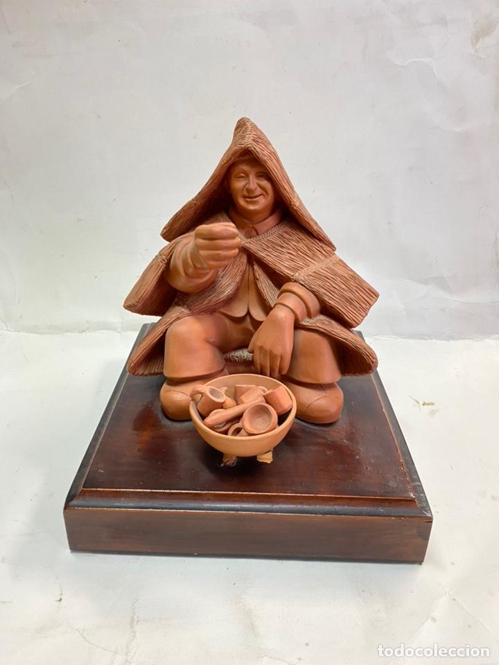 BOLINCHES ESCULTURA DE TERRACOTA MEDIDAS 19X21X21 (Arte - Escultura - Terracota )