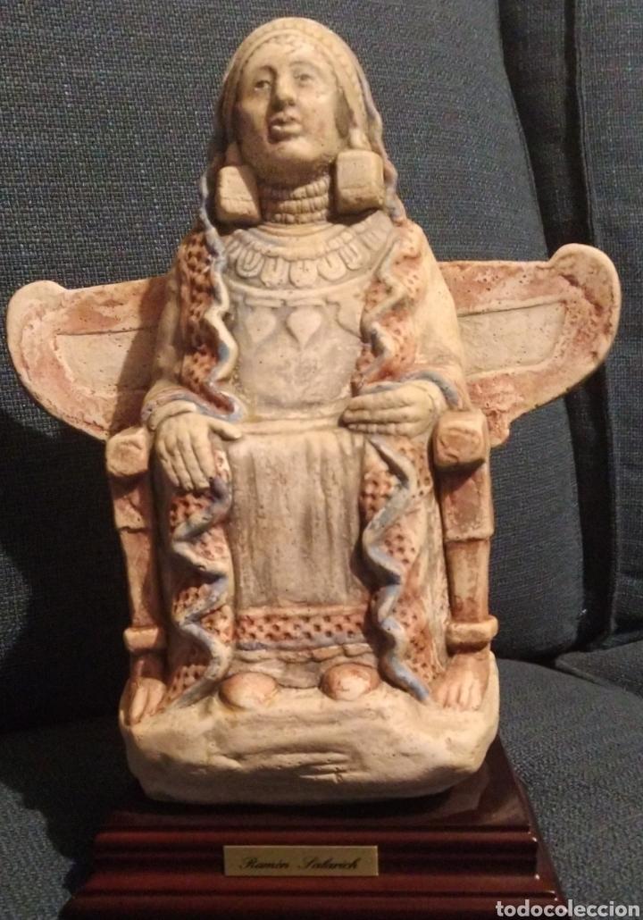 DAMA DE BAZA (Arte - Escultura - Piedra)
