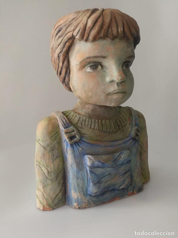 ESCULTURA DE TERRACOTA BUSTO NIÑO FIRMADA Y FECHADA 1996 (Arte - Escultura - Terracota )