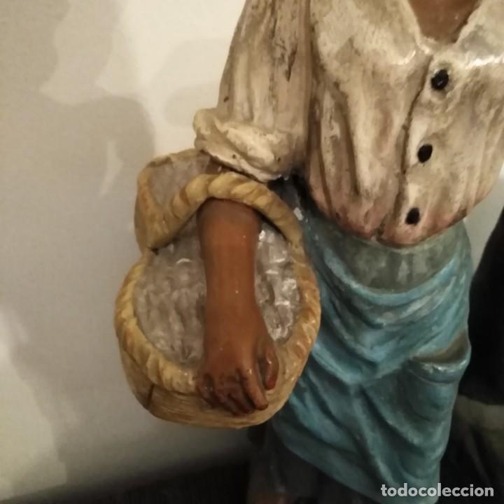 Arte: Antigua pareja de figuras de barro granadino, cenacheros malagueños años 20 - Foto 4 - 193868800